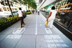 pedestrians-phone-nophonelanes