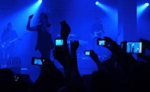concert-smartphone